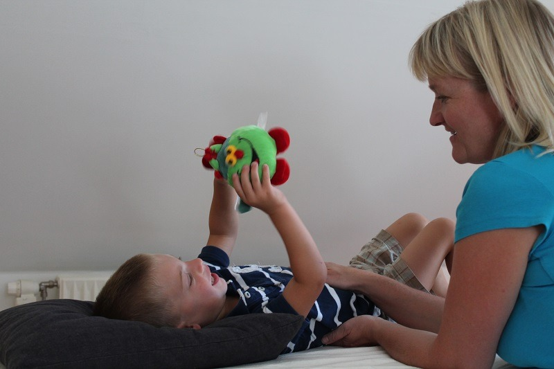 urolige børn får kranio-sakral-terapi