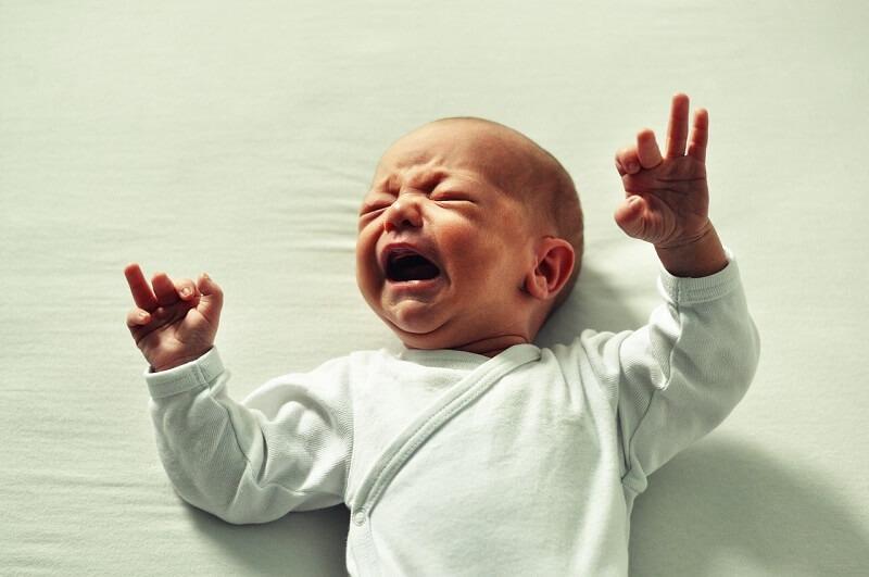 Baby med søvnproblemer får biodynamisk kranio-sakral terapi