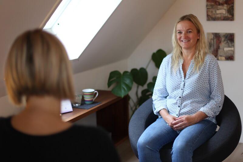 Psykoterapi til voksne ved psykoterapeut- få hjælp til at stå ved dig selv