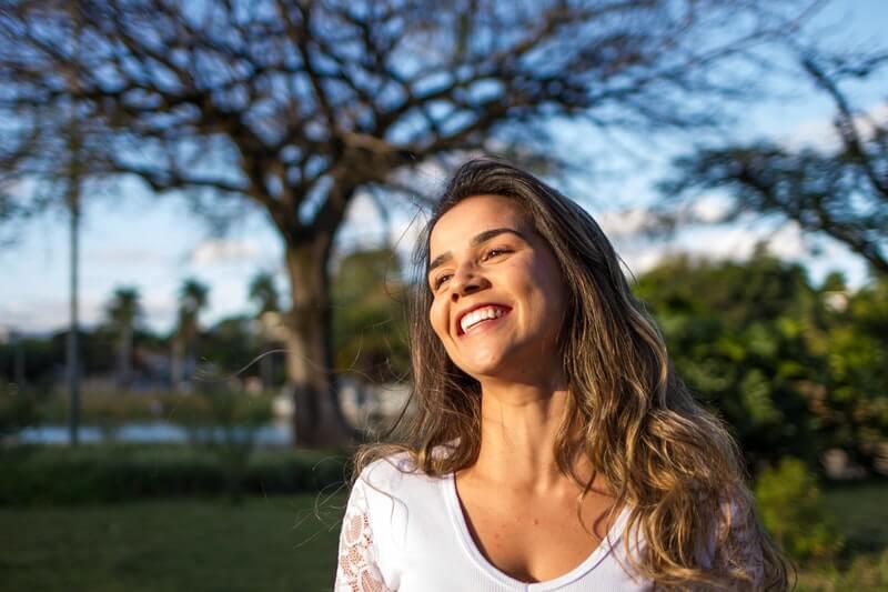 glad og fir efter chok og traumer med psykoterapi